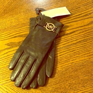 Woman's designer gloves